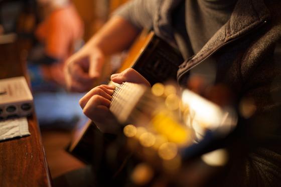 Guitar-Playing-Dan